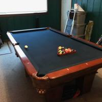 Pool Table 8'