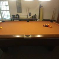 Gandy Pool Table And Light