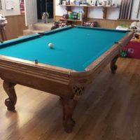 Like New Olhausen Oak Pool Table